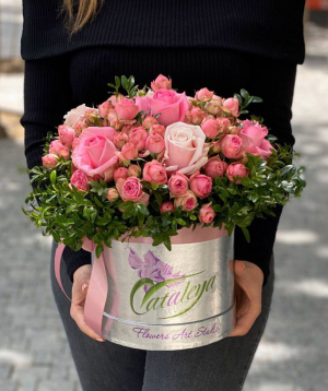 Composition `Kukas` with roses