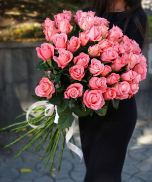 Վարդեր «Anna Karina» վարդագույն 51 հատ