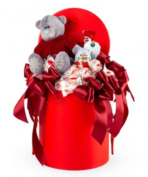 Կոմպոզիցիա «Վիչենցա» փափուկ խաղալիքով և շոկոլադներով