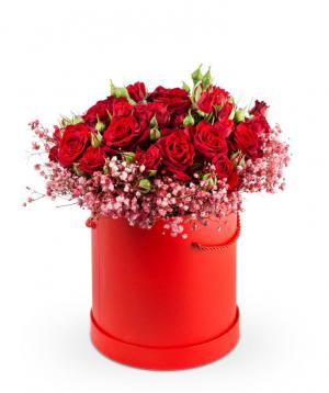 Կոմպոզիցիա «Լապուա» վարդերով և գիպսոֆիլիաներով