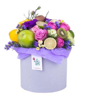 Կոմպոզիցիա «Հոլոն» ծաղիկներով և մրգերով