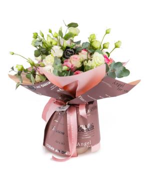 Ծաղկեփունջ «Բելգրադ» վարդերով