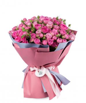 Ծաղկեփունջ «Օլբորգ»  վարդերով և պիոնավարդերով