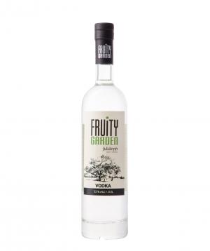 Vodka `Fruity Garden` apple 500 ml