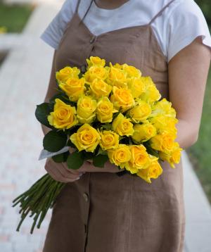 Գյումրվա վարդեր «Penny Lane» դեղին 31 հատ