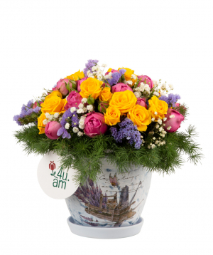 Composition `Hermel` with bush roses, gypsophila and limonium