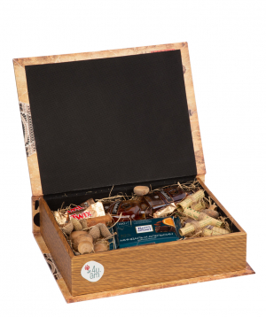 """Gift box """"Oakland """" with sweets and drinks"""