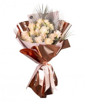 Ծաղկեփունջ «Մեյսվիլլ» վարդերով և չորածաղիկներով