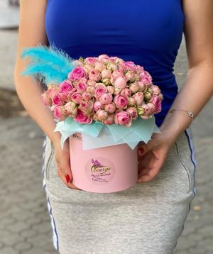 Կոմպոզիցիա «Պարելլա» փնջային վարդերով