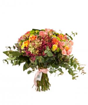 Ծաղկեփունջ «Նորթ Բեյ» վարդերով, հորտենզիաներով և քրիզանթեմներով