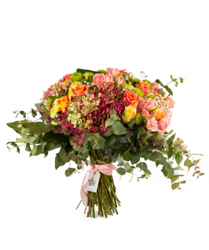 """Bouquet """"North Bay"""" with roses, hydrangeas and chrysanthemums"""