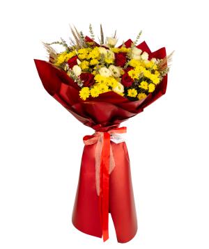 Ծաղկեփունջ «Red Alba»  վարդերով, քրիզանթեմներով և լիզիանտուսներով