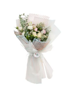 Bouquet  `Benkulu` of roses, gypsophila, lisianthus