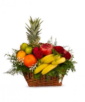 """Композиция """"Биссен"""" с цветами и фруктами"""
