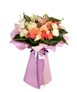 Ծաղկեփունջ «Ֆիլիոմենա»  փնջային վարդերով,  անթորիումներով և լիզիանտուսներով