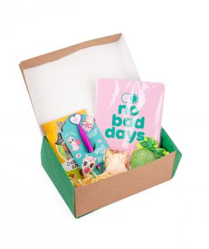 Gift box `Wonder Me` green set