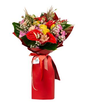 Bouquet `Estelle` with roses, bush roses, anthuriums, lisianthus