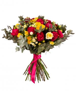 Ծաղկեփունջ «Դիլիջան» վարդերով և քրիզանթեմներով