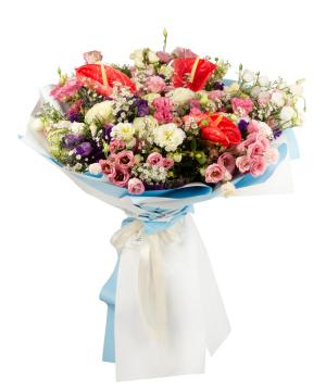 Ծաղկեփունջ «Floral Variety»  վարդերով,  անթորիումներով և լիզիանտուսներով