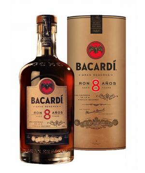 Rum `Bacardi` 8 y 700 ml