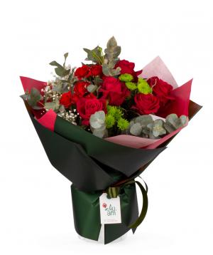 Ծաղկեփունջ «Սեժանա» վարդերով և քրիզանթեմներով
