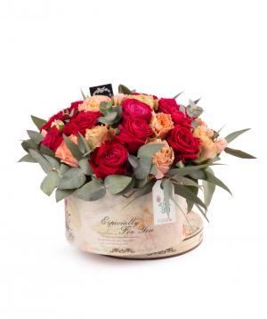 Կոմպոզիցիա «Լամիա» վարդերով