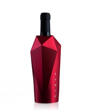 Wine `Rubin` red semi-sweet 750 ml