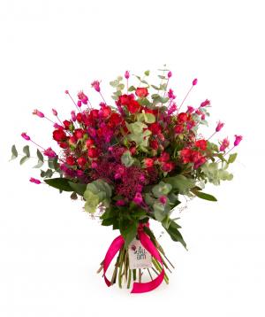 Ծաղկեփունջ «Լեթբրիջ» վարդերով և չորածաղիկներով