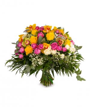 Ծաղկեփունջ «Գոսֆորդ» վարդերով և չորածաղիկներով