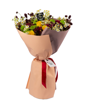 Ծաղկեփունջ  «Բրյանսկ» վարդերով, քրիզանթեմներով և գեորգինաներով