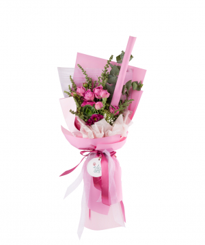 Bouquet `Kelso` with chrysanthemums, gypsophilia, peony-like bush roses