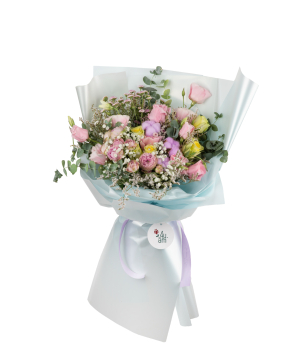 Bouquet `Hincesti` of roses, lisianthus, chrysanthemums and cotton