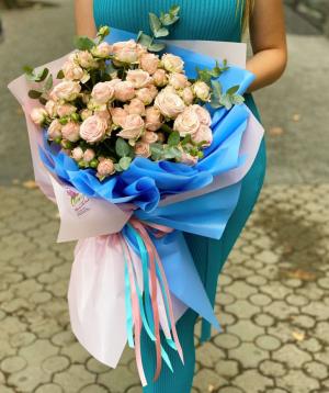 Ծաղկեփունջ «Տիտոսե» վարդերով