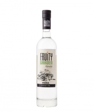 Vodka `Fruity Garden` apricot 500 ml