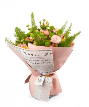 Ծաղկեփունջ «Լուչչա» վարդերով և քրիզանթեմներով