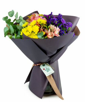 """Bouquet """"Kaluzo"""" with chrysanthemums and alstroemerias"""