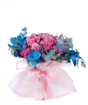 Ծաղկեփունջ «Տրակայ» պիոնավարդերով և վարդերով