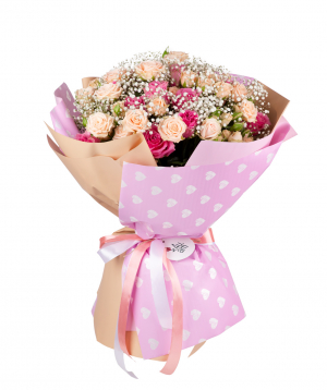 Bouquet `Cairns` wit roses and gypsophila