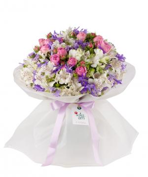 Ծաղկեփունջ «Լինտգեն» պիոն վարդերով և ալսթրոմերիաներով