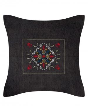 Բարձ «Miskaryan heritage» ասեղնագործ, հին հայկական գորգանախշով №31