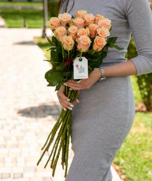 """Roses """"Primavera"""" peach 15 pcs"""
