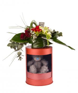Կոմպոզիցիա «Տուրնե» վարդերով և ֆրեզիաներով