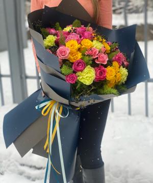 Ծաղկեփունջ  «Տամարինդո» փնջային վարդերով և մեխակներով