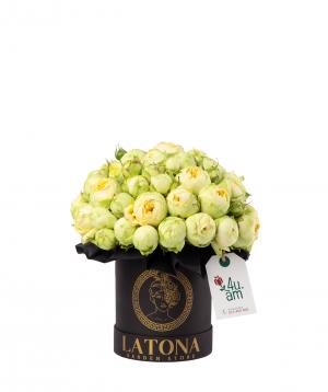Կոմպոզիցիա «Արտեմիս» փնջային վարդերով