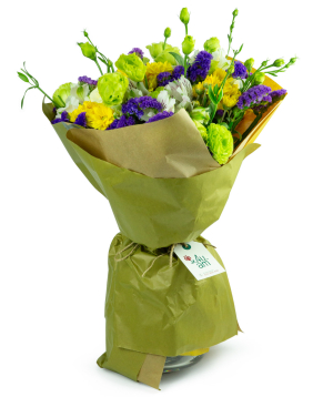 """Bouquet """"Ancona"""" with chrysanthemums and lisianthus"""