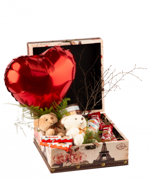 Arrangement `Shomon` with sweets, a teddy bear and a balloon