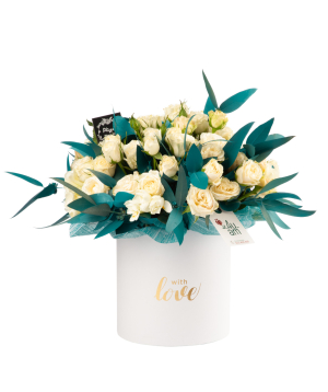 Կոմպոզիցիա «Ֆլորինա» վարդերով և էվկալիպտներով