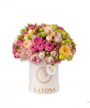 Կոմպոզիցիա «Ֆորտունա» պիոն վարդերով