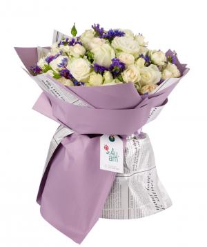 "Bouquet ""Sanem"" with roses and limoniums"