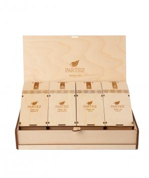"""Collection """"Partez"""" of teas, in a wooden souvenir box"""